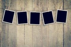 Onmiddellijke foto vijf op Houten verticaal Als achtergrond en Textuur, Vint Royalty-vrije Stock Afbeelding