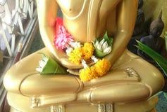 Ono modli się Buddha wizerunek Fotografia Royalty Free