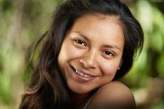 Ono uśmiecha się z ząb dziewczyny headshot Obrazy Royalty Free