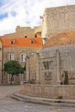 Onofrios Brunnen, alte Stadt von Dubrovnik Stockfotos