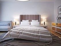 Onopgemaakt bed met groot hoofdeinde Stock Afbeelding