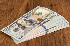 100 ons dollarsbankbiljetten Stock Foto's