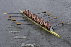 Ons het zeeras van academieannapolis in het Hoofd van het Kampioenschap Eights van Charles Regatta Men Stock Foto