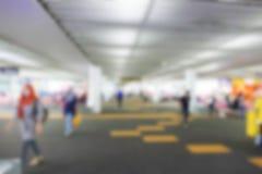 Onscherp defocused beeld van passagier bij de luchthaventerminal Stock Afbeeldingen