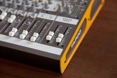 Ontario, Kanada - 21. Mai 2018: Audiostudio solides mischendes equaliz Lizenzfreies Stockbild