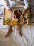 Ontbijt in bed Stock Foto
