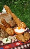 Ontbijt - boter, brood en melk Stock Fotografie