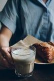 Ontbijt in de koffie Royalty-vrije Stock Afbeelding