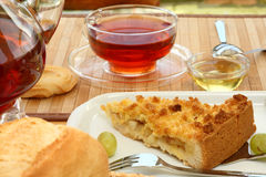 Ontbijt in de tuin. royalty-vrije stock afbeeldingen