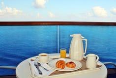 Ontbijt door bediening op de kamer Royalty-vrije Stock Foto's