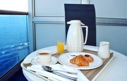 Ontbijt door bediening op de kamer Royalty-vrije Stock Fotografie