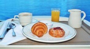 Ontbijt door bediening op de kamer Stock Foto's
