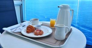 Ontbijt door bediening op de kamer Royalty-vrije Stock Foto