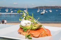Ontbijt door het strand Stock Foto