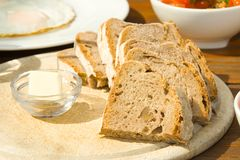 Ontbijt met brood Stock Foto's