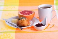 Ontbijt met koffie stock afbeeldingen