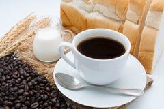 Ontbijt met koffie en brood Stock Afbeelding