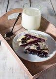 Ontbijt met melk en baksel Royalty-vrije Stock Foto's