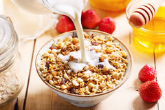 Ontbijt met muesli en vruchten Royalty-vrije Stock Fotografie