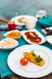 Ontbijt met omelet Royalty-vrije Stock Afbeelding