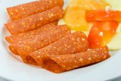 Ontbijt met salami, peper Stock Afbeeldingen