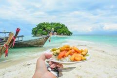 Ontbijt op eiland in Thailand royalty-vrije stock foto's