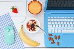 Ontbijt op het werk stock fotografie