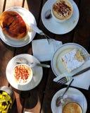 Ontbijt van koffie en brood Stock Afbeeldingen