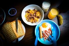Ontbijt voor het jonge geitje Stock Afbeelding