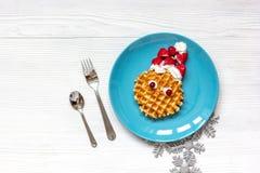 Ontbijt voor kind op Kerstmis met wafel hoogste mening Royalty-vrije Stock Afbeeldingen