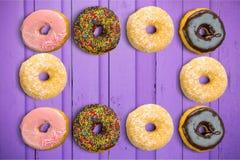 Ontbijtdoughnut stock afbeeldingen