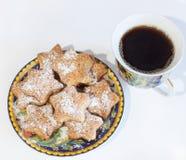 Ontbijtkoekjes met koffie stock fotografie