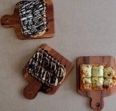 Ontbijttoost, Pizza, bananenchocolade, chocoladepinda Royalty-vrije Stock Fotografie
