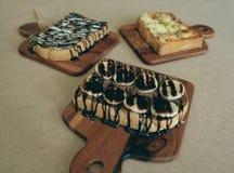 Ontbijttoost, Pizza, bananenchocolade, chocoladepinda Royalty-vrije Stock Afbeelding
