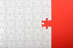 Ontbrekende puzzelstukken Bedrijfs concept Complitings definitieve taak Stock Foto
