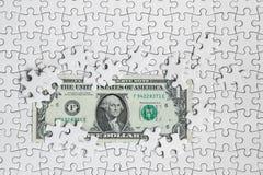 Ontbrekende puzzelstukken op de achtergrond van de gelddollar, Zaken Stock Foto