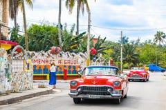Ontdek Fusterlandia in Havana Cuba stock foto's