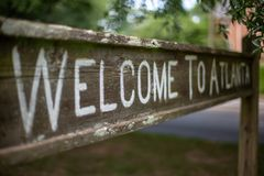 Onthaal aan het teken van Atlanta op het Lineaire Park van Olmsted royalty-vrije stock afbeeldingen