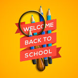 Onthaal terug naar school op gele achtergrond Stock Afbeeldingen