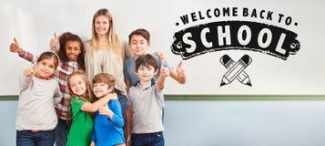 Onthaal terug naar School op Whiteboard royalty-vrije stock afbeeldingen
