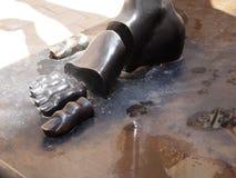 Ontleed fragment van beeldhouwwerk Salvador Dali, bronsvoet Figueres, Spanje Juni 2011 Royalty-vrije Stock Afbeeldingen