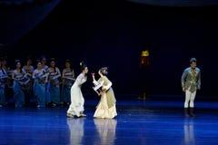 Ontmoet de slag-tweede handeling: een feest in de van het paleis-heldendicht de Zijdeprinses ` dansdrama ` stock afbeeldingen