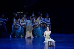 Ontmoet de slag-tweede handeling: een feest in de van het paleis-heldendicht de Zijdeprinses ` dansdrama ` royalty-vrije stock afbeeldingen