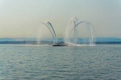 Ontploffing 4 van de brandboot stock afbeeldingen