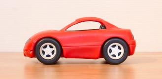 Ontruim gekleurd klein autostuk speelgoed royalty-vrije stock afbeeldingen
