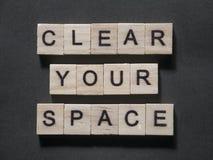 Ontruim Uw Ruimte, Motievenconcept van Woordencitaten vector illustratie