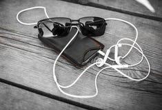 Ontspan en luister aan Muziek stock afbeeldingen