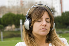 Ontspan met muziek Stock Foto's