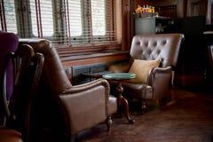 Ontspan streek in cafetariadecoratie in wijnoogst en luxestijl w Stock Afbeeldingen