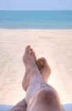 Ontspannen bij het strand stock afbeeldingen
